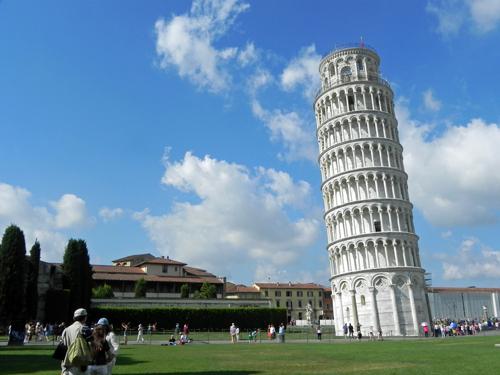 世界遺産「ピサの斜塔」に登ってみたら、ビックリするほど傾い